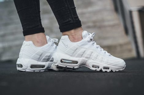 nike-air-max-95-white-pure-platinum-1-1170x780-1024x683
